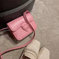 手提单肩宽带小蜜蜂小箱子包盒子包小包包时尚小方包今年流行