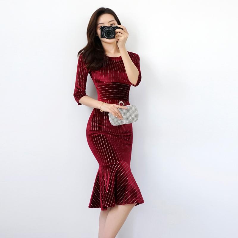 显瘦金丝绒连衣裙2020秋装新款高端性感修身打底中长款包臀鱼尾裙