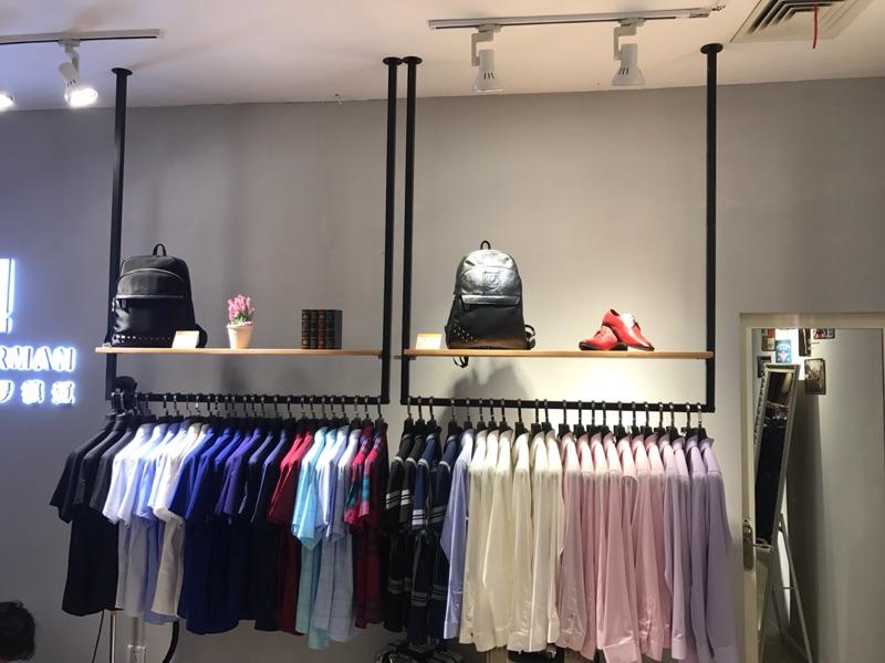 Одежда магазин потолок полка дисплей подвеска вешалка ретро дерево на стена вешать полка стандарт мальчиков и девочек, наряд кольца