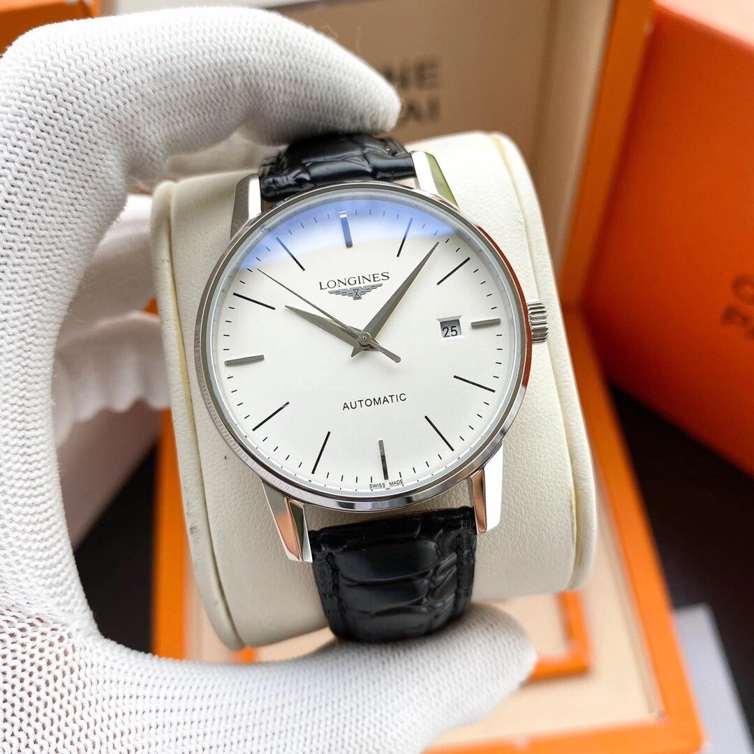 Exquisite mens wristwatch, gentlemans style, excellent quality and hot sale