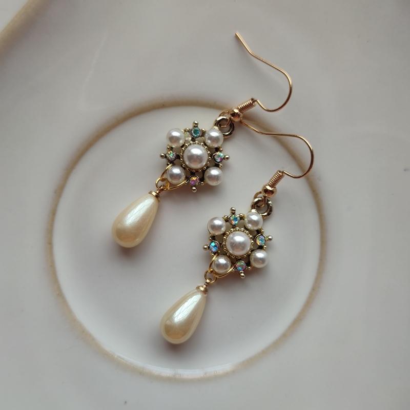 Bird in the heart romantic classic retro court style Lolita light luxury Princess imitation pearl diamond earrings light luxury