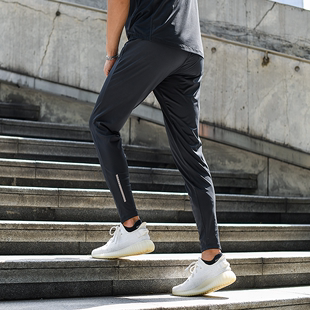运动休闲健身长裤修身薄款跑步轻量透气弹力夏季束口小脚裤健身裤