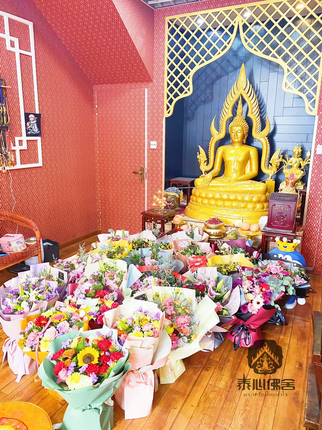 Taixin Buddhas daily offering of flowers
