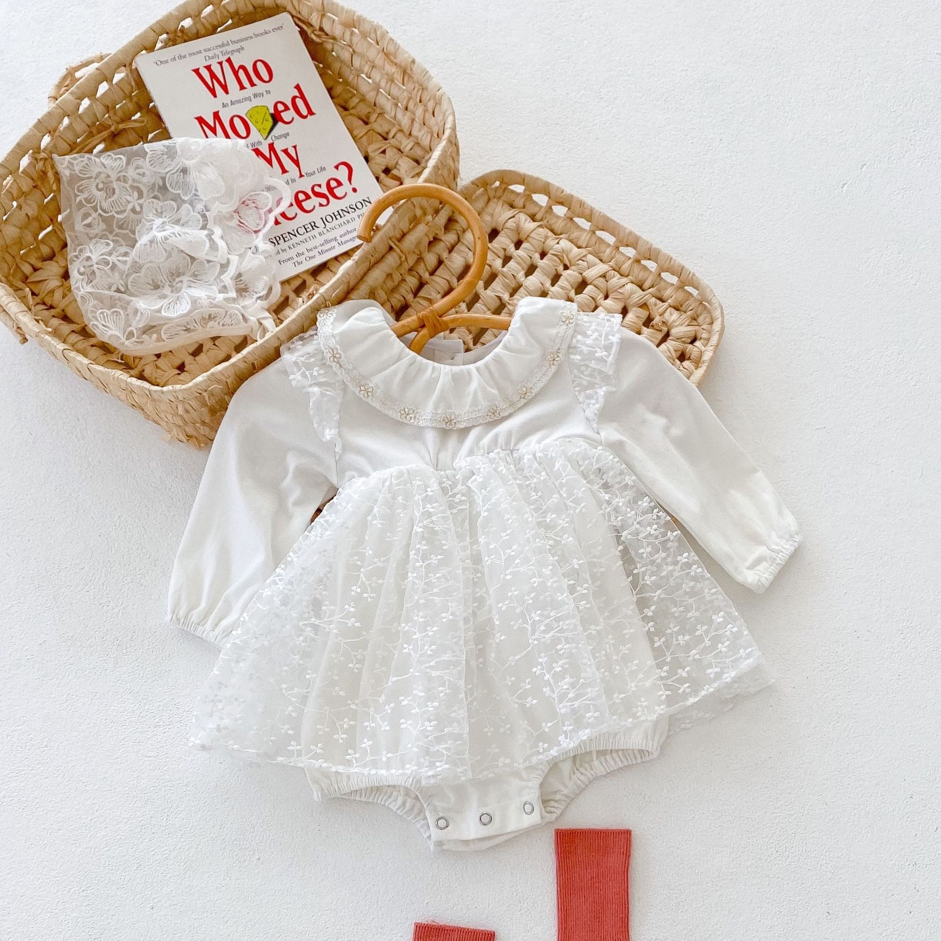 2021 spring and autumn baby girls 100 day clothes Princess embroidered mesh long sleeved skirt Jumpsuit climbing clothes