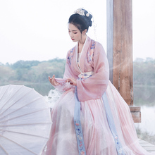 Returning to the Han and Tang Dynasty's traditional dress with graceful makeup, original 6-metre dress, waist-length skirt and skirt, embroidered spring and summer women's dress