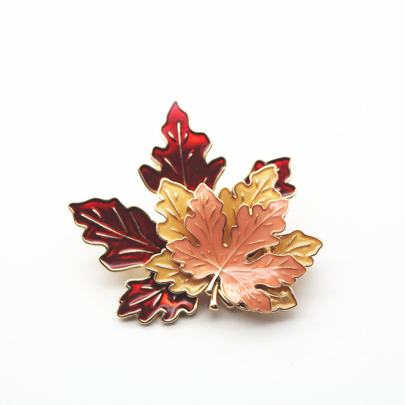 Korean spring and autumn retro Maple Leaf Brooch Enamel color three dimensional temperament large Brooch clothing decoration pin silk scarf buckle