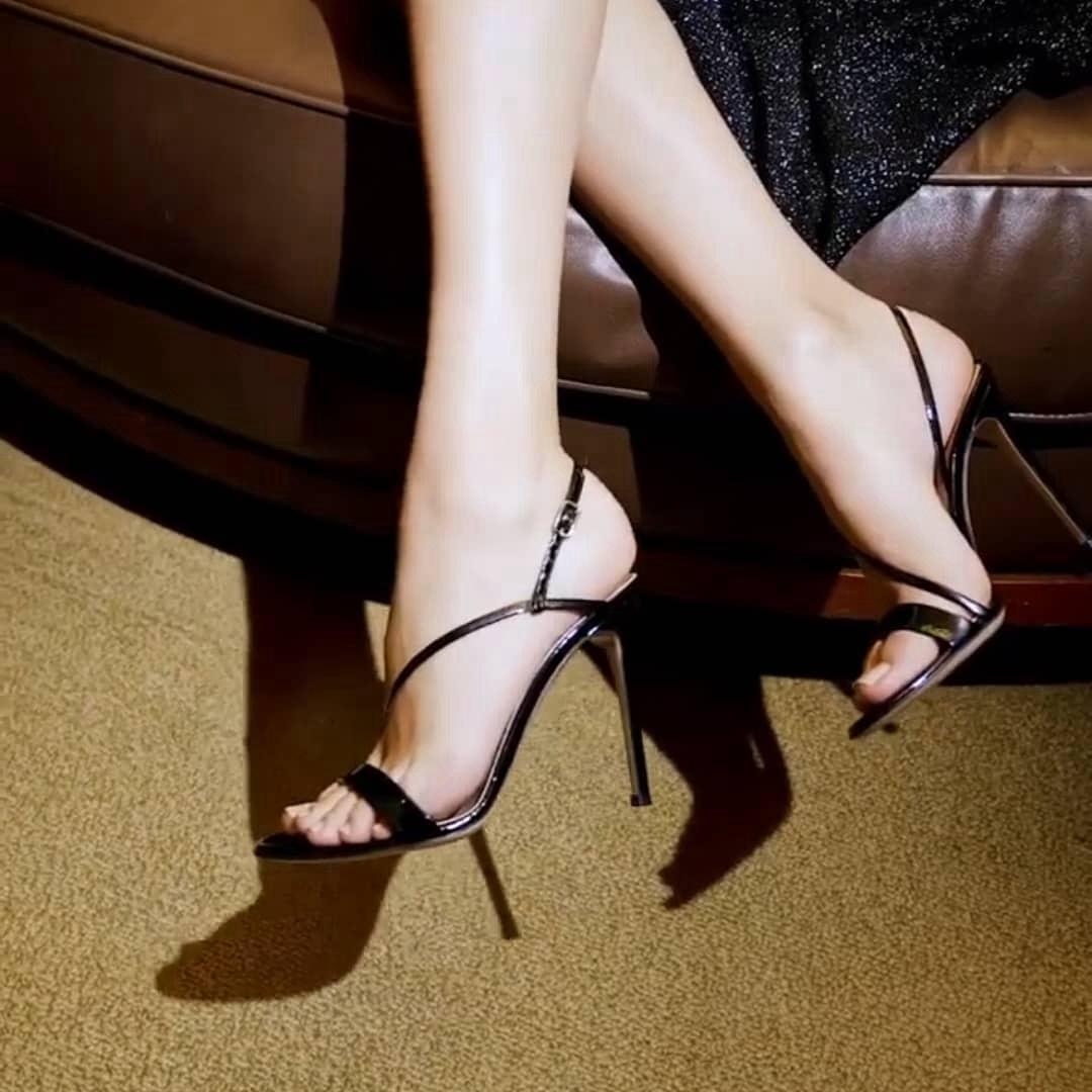 芳娜  一字带高跟凉鞋