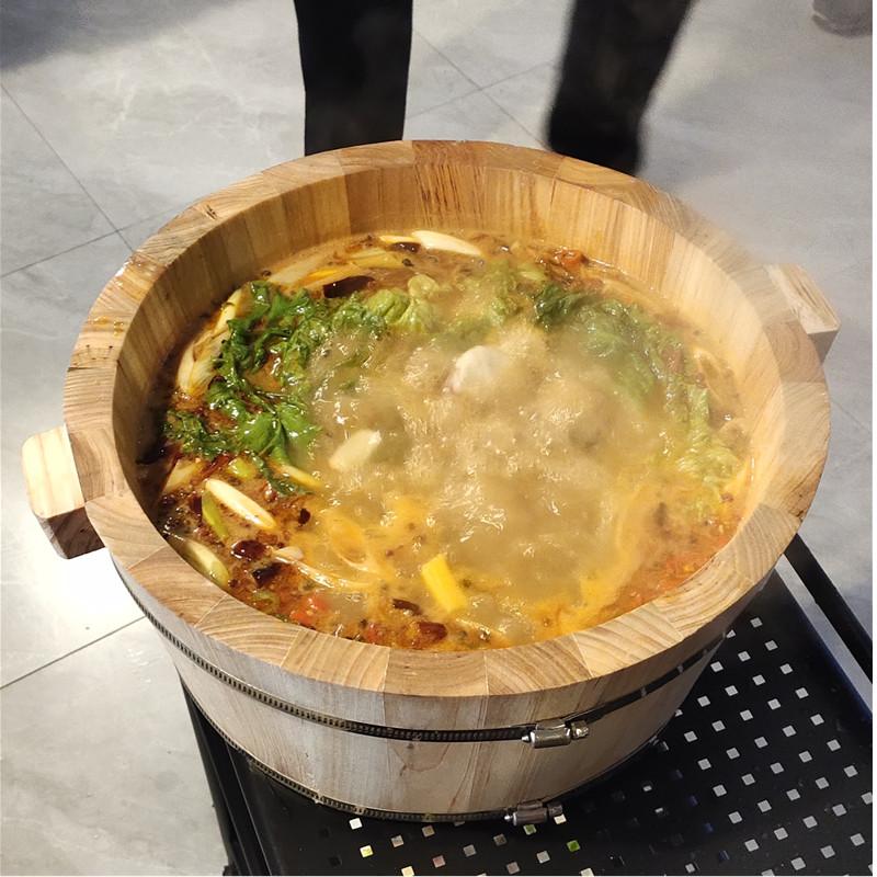 木桶鱼的木桶滋补沸腾鱼木桶锅饭店餐厅适用