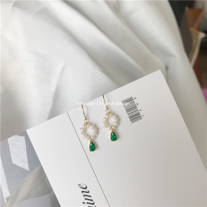 【M】 Temperament retro emerald zircon water drop small square 14K gold wrapped freshwater pearl small wreath earring nail
