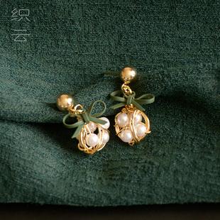 小耳墜精緻超仙短款耳釘女氣質女神範法式復古珍珠耳環蝴蝶結耳飾