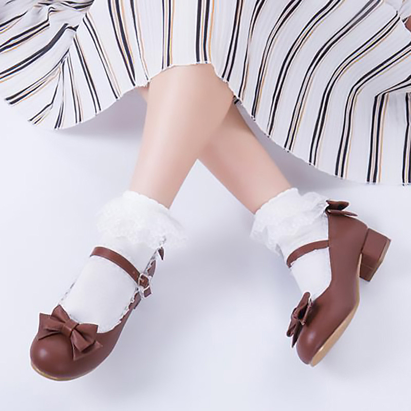 Spot original design of lace Lolita low top, shallow mouth, medium heel, Princess single shoe, one line buckle