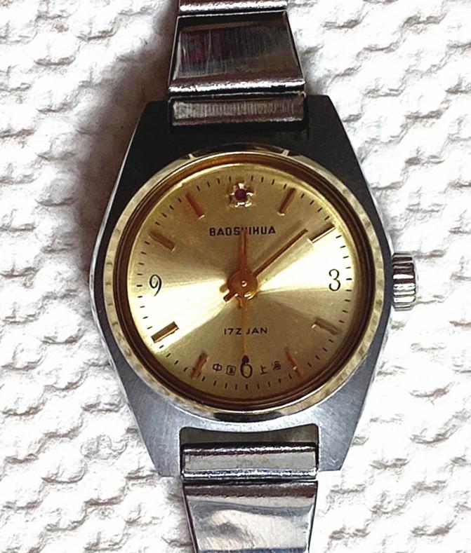 上海の女性の腕時計の機械の手動の上弦の復古する在庫のデジタル式の懐古的なファッションの気前が良い女性の上海の腕時計