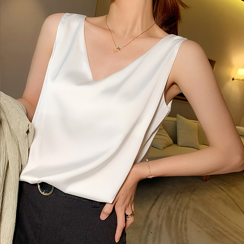 Suspender vest womens sleeveless top loose inside with backing sexy silk satin outside with suit outside in summer