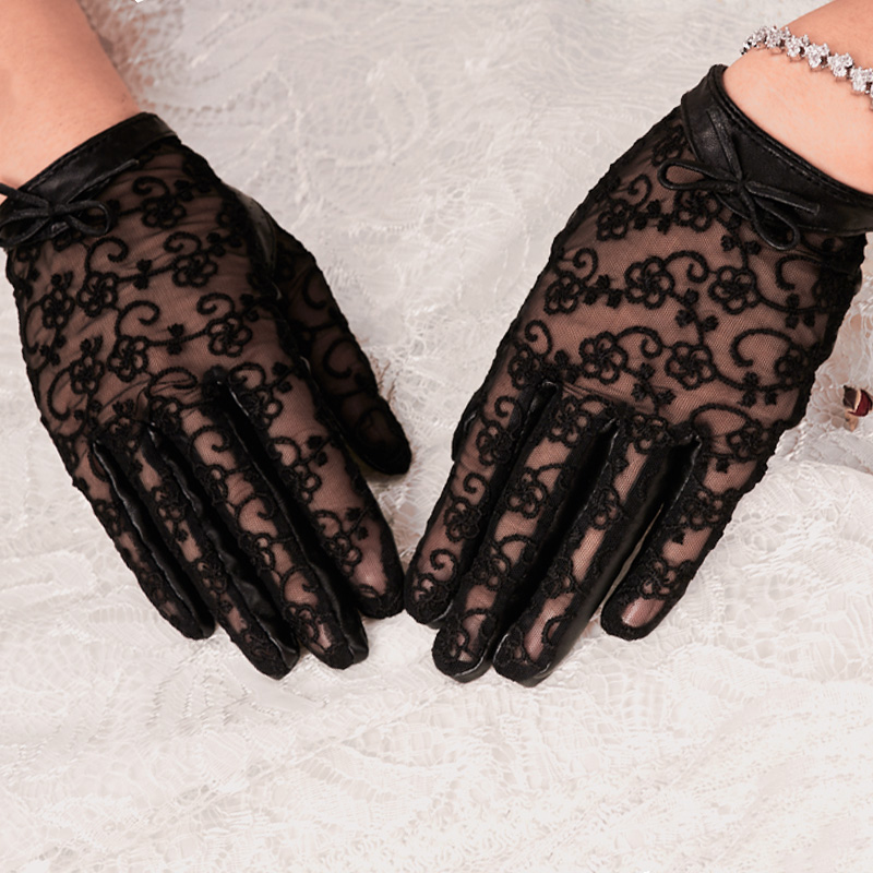 Spring and autumn thin gloves womens winter warm sunscreen leakage finger dance touch screen short sexy black lace leather gloves