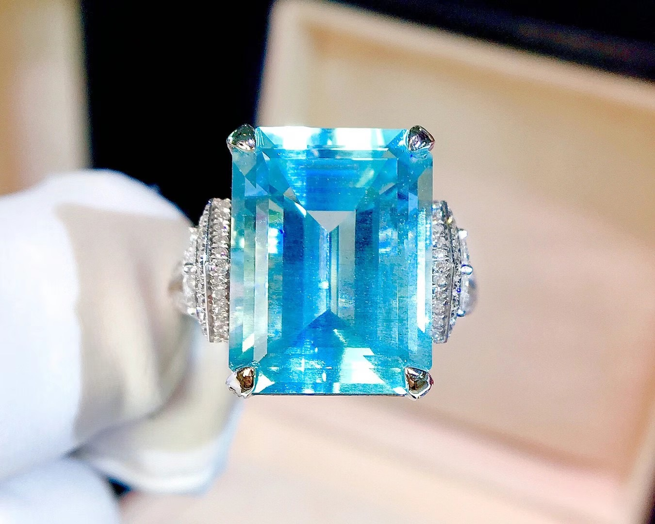 Beautiful natural Aquamarine Ring pure color with international certificate diamond inlaid ring 14 can be changed for women