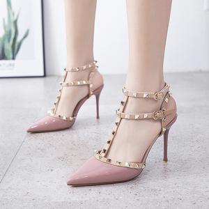 2020夏季新款包头凉鞋女仙女风尖头浅口性感细跟铆钉一字带高跟鞋