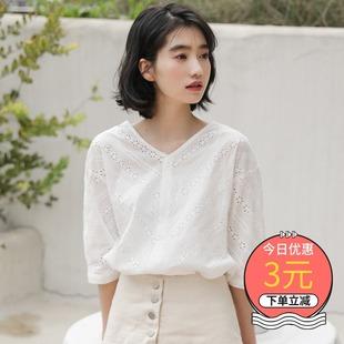 镂空蕾丝衫女装潮学生2019新款夏短袖小清新v领上衣白色衬衣洋气