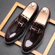 Men's leather business dress leather shoes round head British shiny patent leather soft sole casual leather shoes Lefu shoes