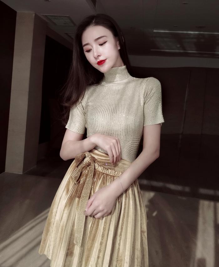 设计师款春夏新品高领重工水钻针织衫毛衣打底衫丝绒烫钻半裙奢华