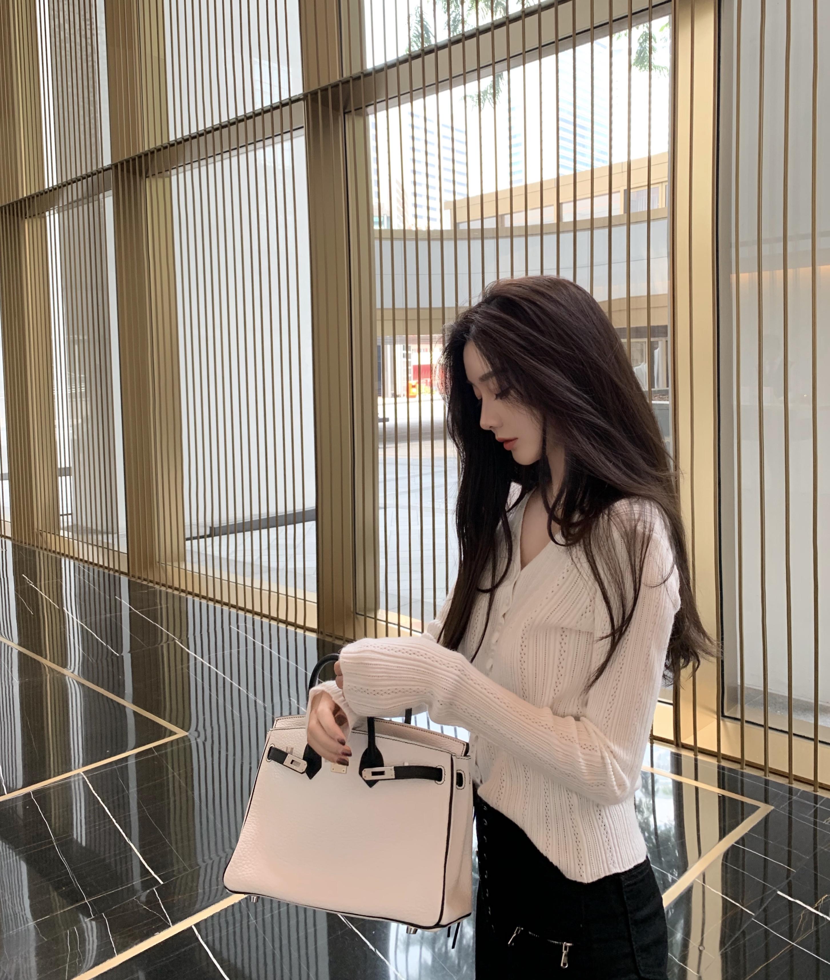 韩雨嘉白色网红冰丝针织开衫春装2020款女秋冬韩版毛衫外套图片