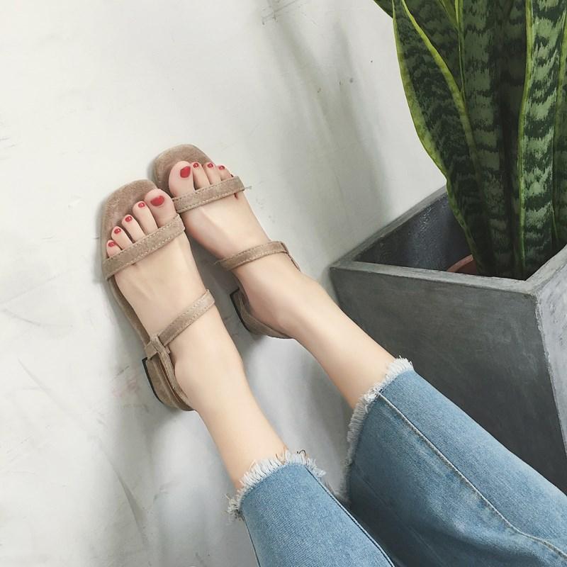 2018休闲鞋复古韩国风绒面方跟简约露趾夏季女士气质凉鞋新款