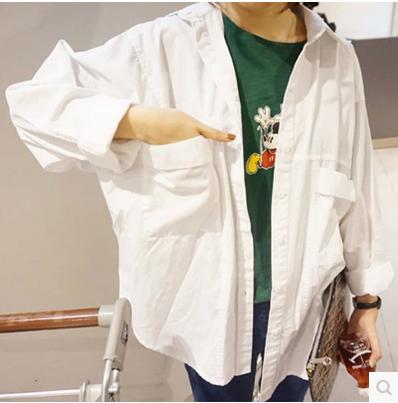 2017韓版大碼寬鬆棉麻襯衫女學生長袖口袋男友風上衣開衫純白春夏