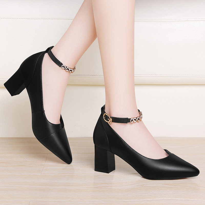 Leather single shoe womens spring 2020 new thick heel shallow mouth with skirt line buckle high heels black professional shoes