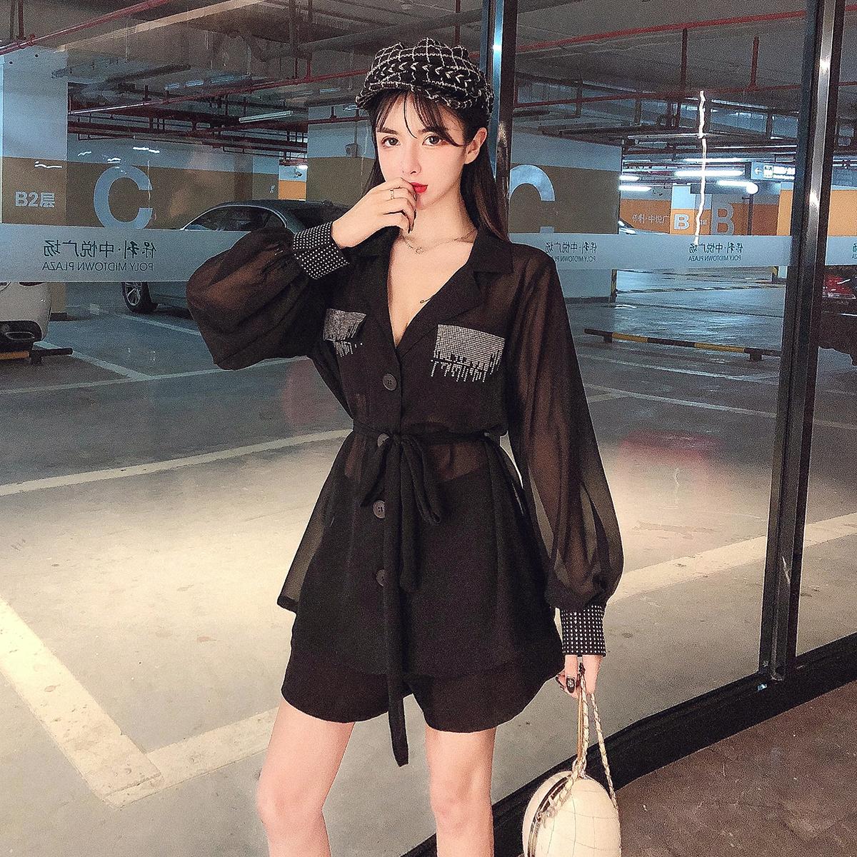 时尚套装女装2019初秋新款韩版雪纺上衣+高腰显瘦短裤气质两件套(用12.02元券)