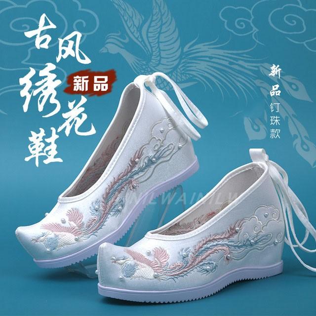 高跟汉服鞋子女古风绣花鞋汉元素古装翘头弓鞋内增高表演出鞋创意