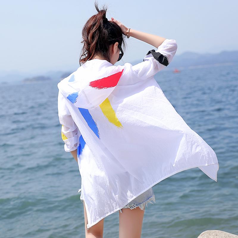Солнцезащитный одежды женщина 2017 новый летний песчаный пляж дикий тонкий солнцезащитный крем одежда студент длинный рукав длина печать пальто