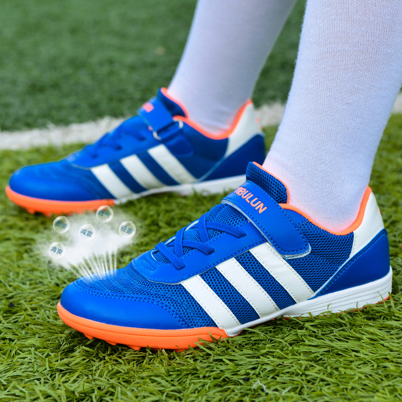 Boys football shoes with cotton primary school students football shoes broken nail training shoes lawn antiskid childrens shoes warm