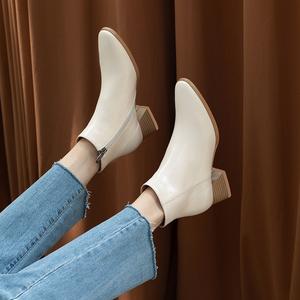 新品真皮侧拉链女短靴黑色米白色短筒及裸靴粗跟中跟女靴子潮单靴