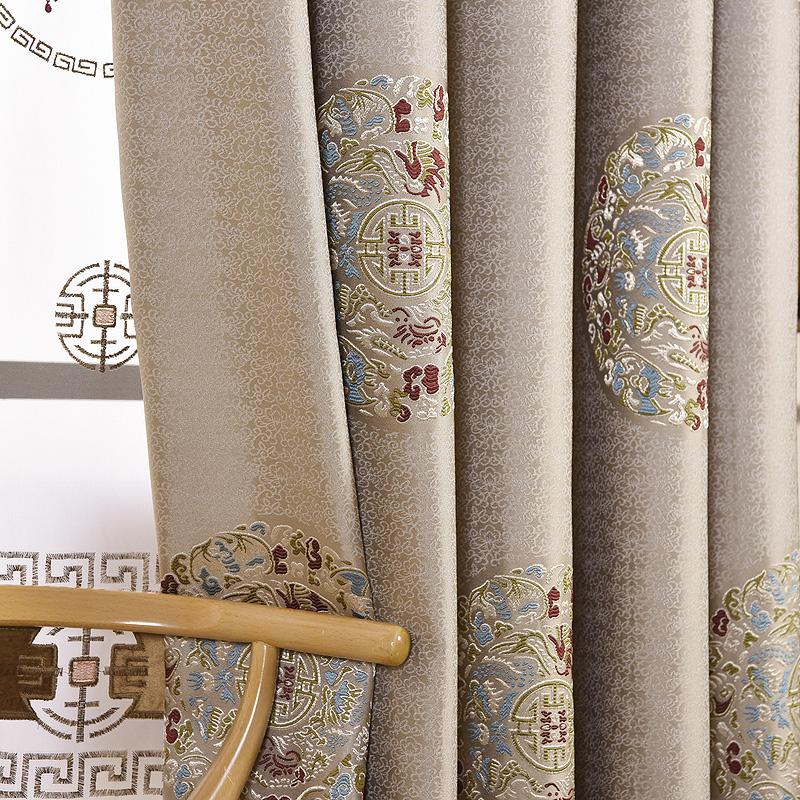 新中国式の古典的な豪華なリビングルームのカーテン、中国風の遮光ジャカード生地のフック