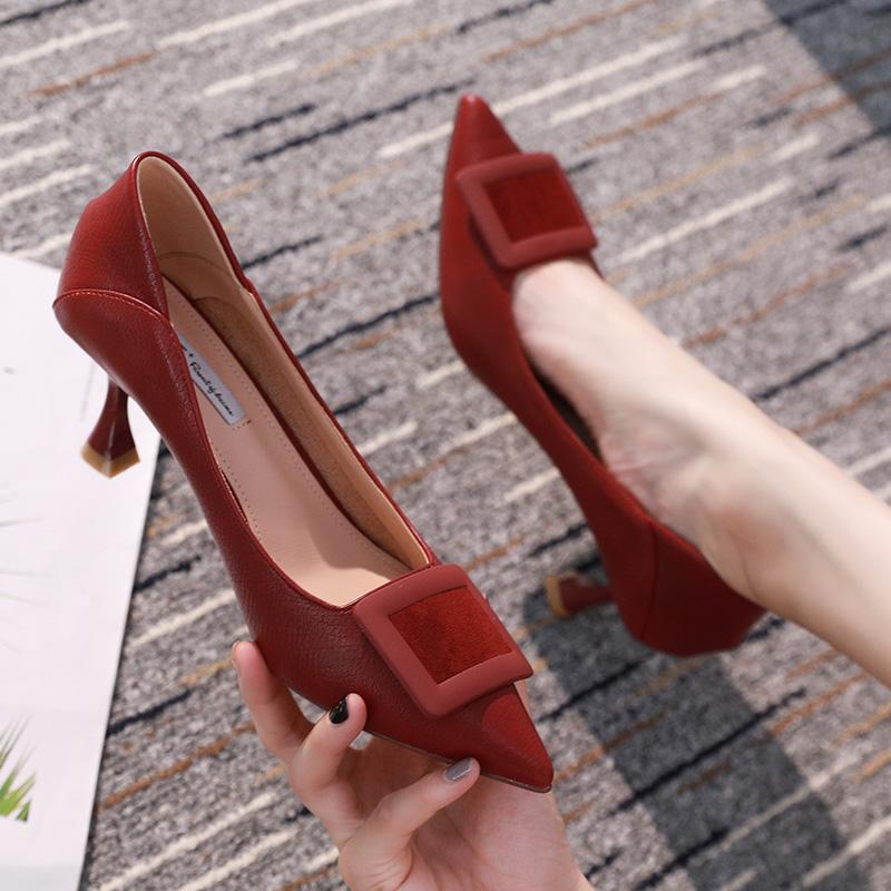 法式少女高跟鞋2019秋冬季新款气质仙女风方扣尖头细跟红色单鞋女