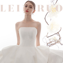Main wedding dress 2019 bride, a small dress girl with super-immortal shoulder, luxurious dream, Satin face, breast wipe and Hepburn