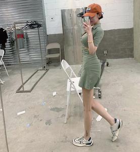 图图小有名气的2021新品腰部镂空 紧身 显腿长连衣裙赠送扣子