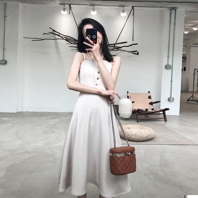 新款女装流行裙子修身