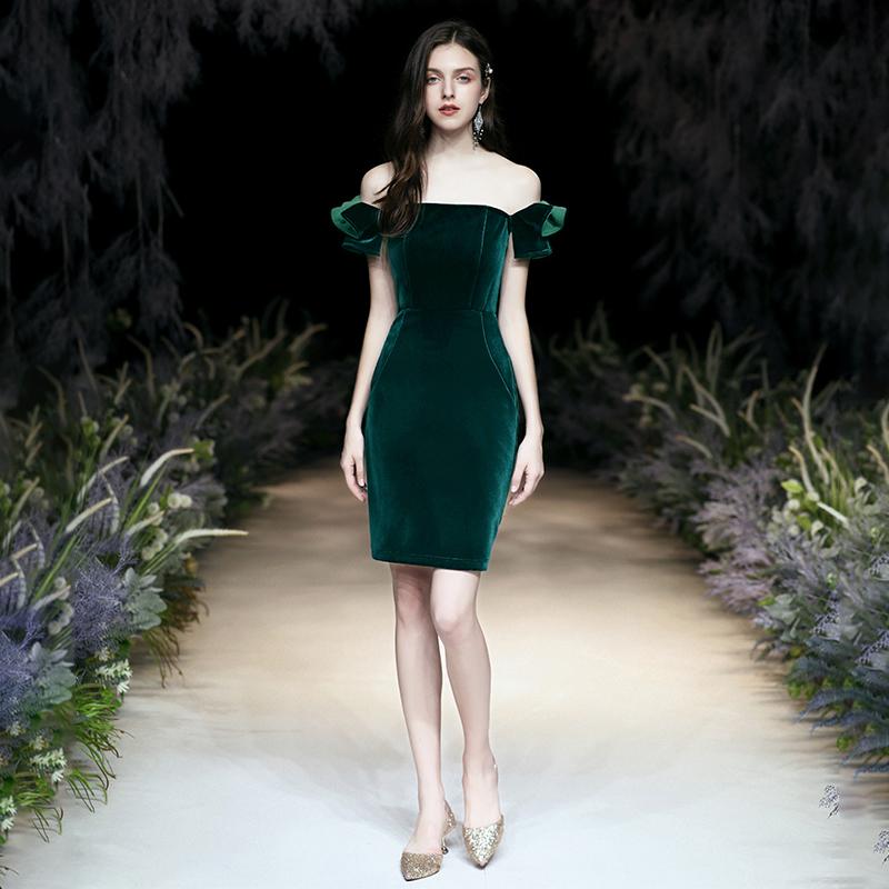 小晚礼服女2020新款气质宴会平时可穿一字肩主持人连衣裙短款绿色