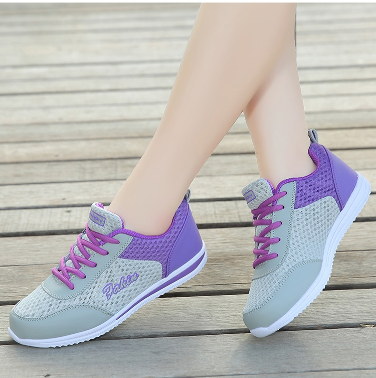 Summer Huili sports shoes womens lightweight breathable mesh flat bottom casual shoes middle-aged mothers shoes anti slip walking shoes