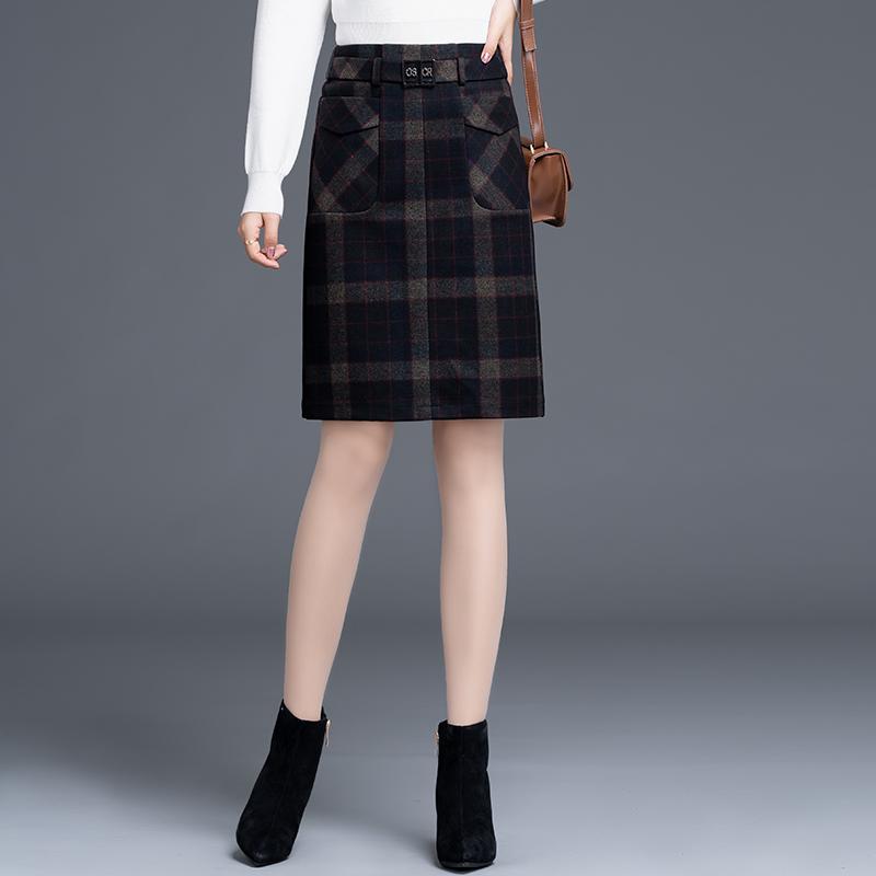 格子包臀半身裙秋冬女2021新款高腰毛呢短裙一步裙中裙厚款冬裙子