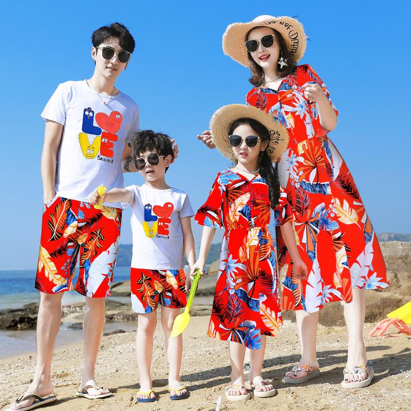 海边沙滩情侣亲子装套装2020新款夏季一家三口度假海滩母女连衣裙