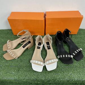 夏季韩版真皮水钻橡胶搭扣方头一字带白色现货花慕语时装凉鞋
