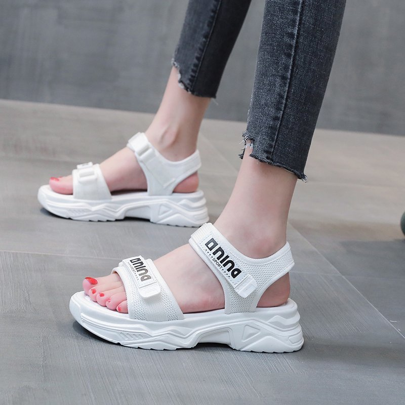 Sandals lady with flat bottom in summer
