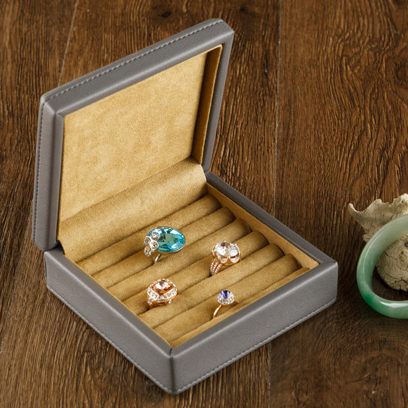 Peach (trang sức) Phong cách châu Âu đơn giản microfiber da nam khuy măng sét hộp da nhẫn bông tai hộp lưu trữ đồ trang sức - Nhẫn