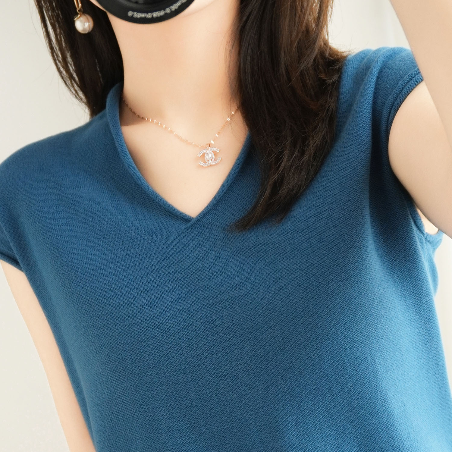 2020 new cotton linen solid color T-shirt womens V-neck short sleeve loose thin Casual Short Sleeve Sweater Top Womens summer
