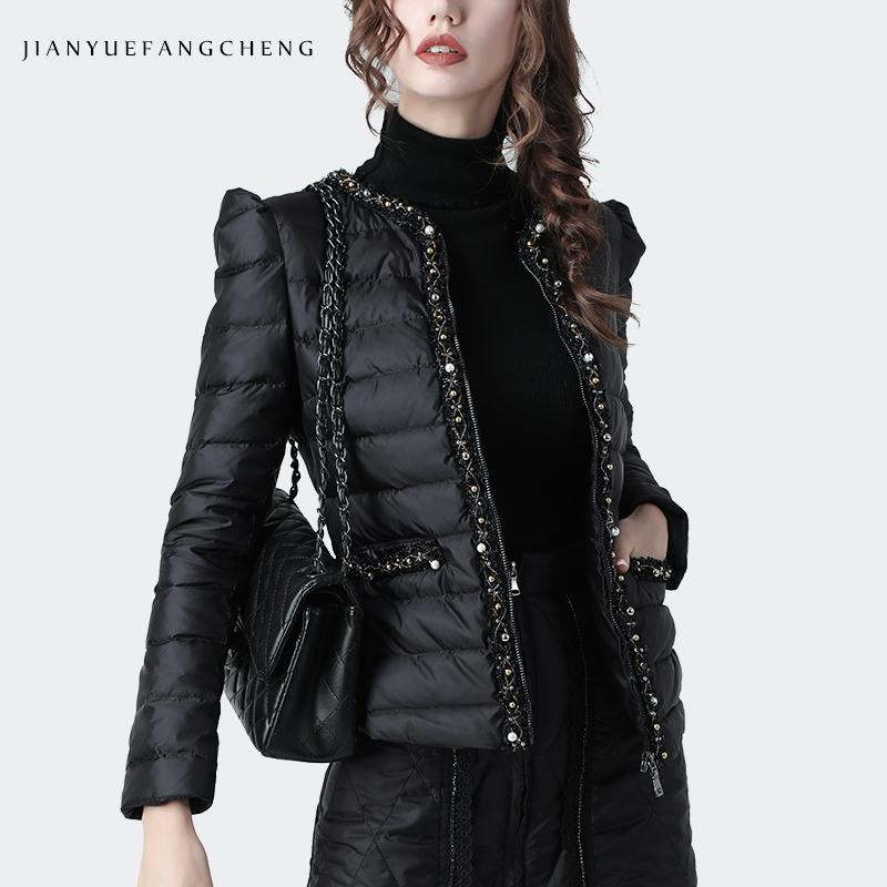 欧洲站薄款短款羽绒服女黑色2020冬装小香风白鸭绒外套小款棉衣女