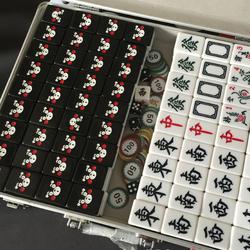 新品定制 卡通可爱黑色熊本熊麻将牌 家用手搓 40 42中大号麻雀牌