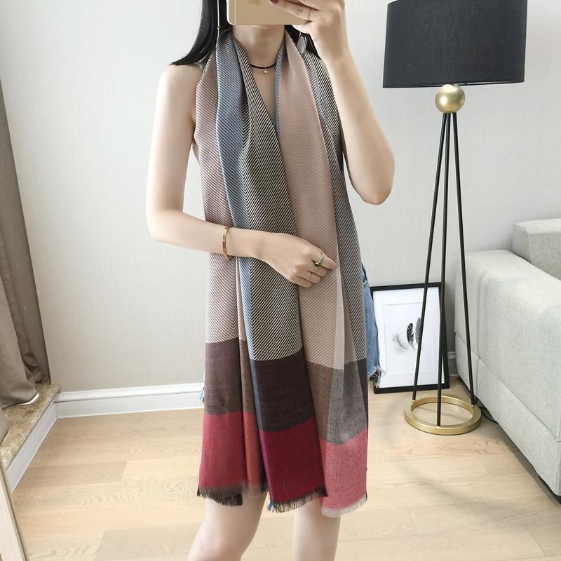 包邮2020新款春秋冬经典英伦格子围巾披肩两用真丝羊毛丝巾女男长