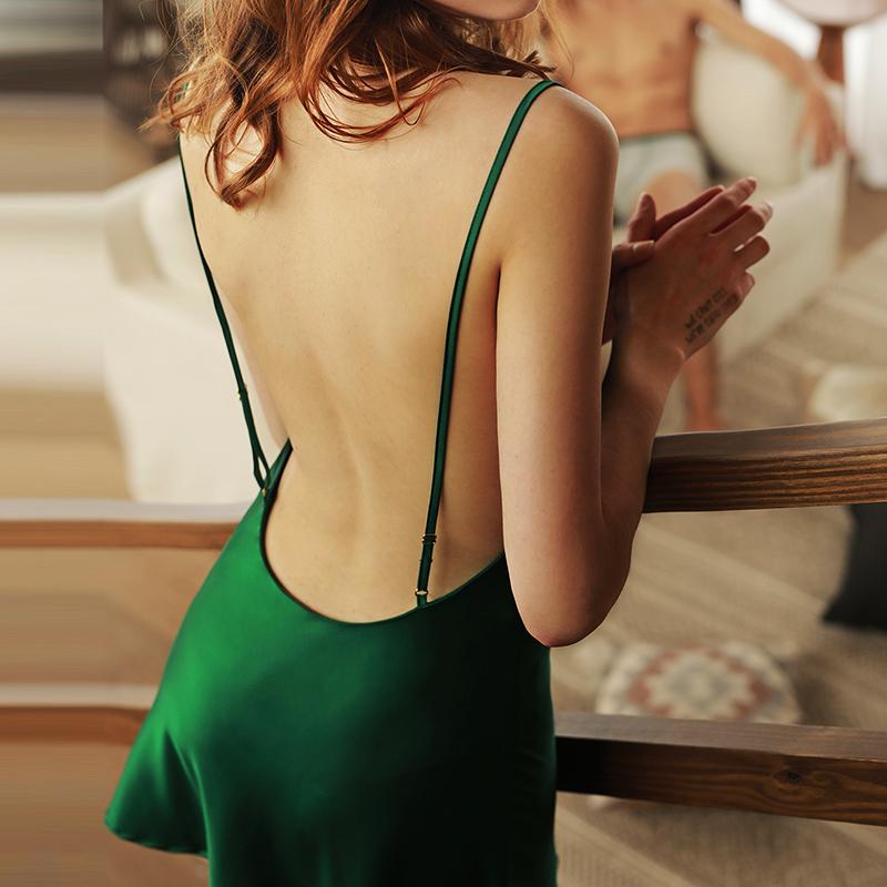 睡裙女2021年新款露背女士薄家居服夏季挑逗短裙冰丝吊带性感睡衣