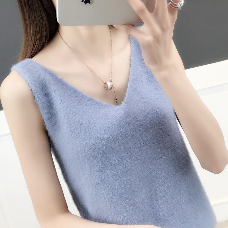 Suspender vest womens autumn 2020 new Korean loose fit with mink like velvet V-neck versatile bottomed sweater